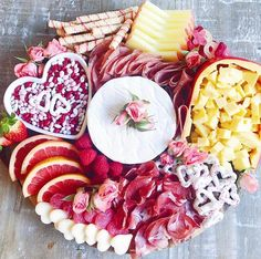 Valentine Desserts, Valentines Day Treats, Holiday Desserts, Holiday Treats, Holiday Recipes, Charcuterie Recipes, Charcuterie And Cheese Board, Cheese Boards, Party Food Platters
