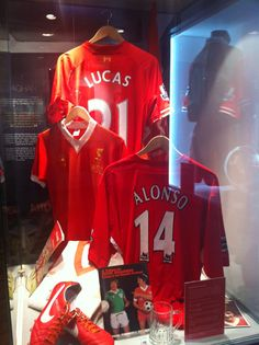 Photolog: Opening night of the new Liverpool FC Museum at Anfield. #LFC