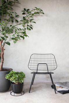 Het merk Menu heeft ook prachtige items voor buiten in de tuin! #staal #beton