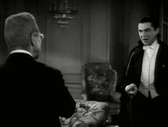 Bela Lugosi and Edward Van Sloan in Dracula (Tod Browning, This makes me laugh. Ryu Street Fighter, Horror Show, Horror Movies, Lugosi Dracula, Hollywood Monsters, Vampire Dracula, Movie Gifs, Bram Stoker, Classic Monsters