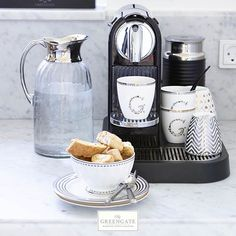 The perfect coffee calls for the perfect cup. Enjoy your early morning brew or afternoon latte in our elegant silver or gold mini latte cup We wish you all a lovely Sunday! #Sunday #Coffee #Espresso #MiniLattteCups #Greengate #Silver #Gold #Afternoon #Latte #GreenGateOfficial @Greengateofficial