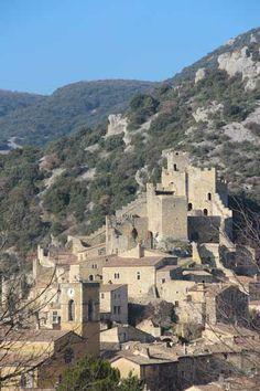 Saint-Montan - Ardèche dept. - Rhône-Alpes région, France       ...www.lemasdelaborne.com