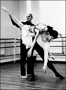 Sir Kenneth MacMillan directs Darcey Bussell and Jonathan Cope in rehearsals for The Prince of the Pagodas.