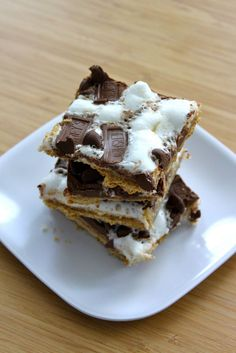 Baked Perfection: Marshmallow s'mores crackers - EASY but requires a jelly roll pan to make.... uh oh...