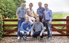 www.vierliefd.nl Familie fotografie BergerKockengen Fotograaf: Jerny van Ginderen - Seeleman  Familieshoot buiten