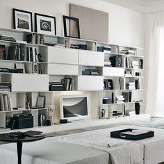 Parete attrezzata TV moderno / in legno laccato / in quercia / in vetro SKIP Poliform