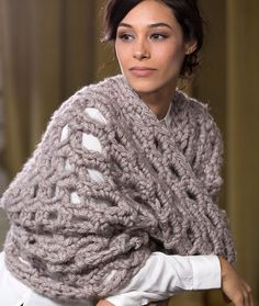 Outstanding Cowl Free Crochet Pattern in Red Heart Yarns