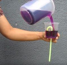 anasınıfı su deney çalışmaları,bugun akmayan su deney ile eğlenceli vakit geçiriyoruz.evdeki malzemelerle basit deneyler yapıyoruz. Science Experiments Kids, Science For Kids, Pre School, 5 Minute Crafts, Color Mixing, Red Wine, Everything, Martini, Alcoholic Drinks