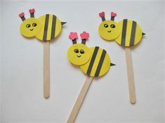 Discover 15 Cute and Crawly Insect Crafts for Kids Insect Crafts, Bird Crafts, Foam Crafts, Craft Stick Crafts, Preschool Crafts, Craft Foam, Craft Ideas, Cardboard Crafts, Preschool Activities