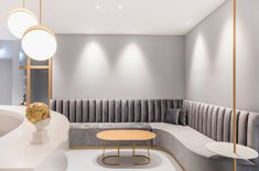 Aesthetic Medical office at the Limmat Tower Fluo Architecture & Design Medical Office Interior, Medical Office Design, Office Space Design, Healthcare Design, Design Offices, Modern Offices, Clinic Interior Design, Clinic Design, Apartment Interior Design
