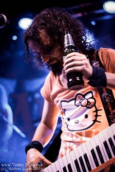 a band T-shirt does't make you more headbanger Christopher Bowes - Alestorm