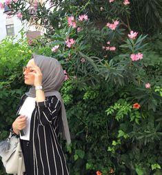 Week End Hijab Fashion Cute - Pemuja Wanita Hijabi Girl, Girl Hijab, Hijab Dress, Hijab Outfit, Hijab Style Tutorial, Simple Hijab, Hijab Fashionista, Trendy Swimwear, Cute Girl Photo