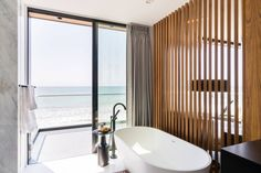 Beach House by Brandon Architects
