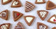 祝☆話題入り! 大量生産友チョコ対策!ホットケーキミックスの小袋1袋で21個分です。簡単だけどおしゃれな三角クッキーです