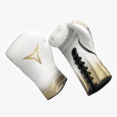 Gladly announcing our products and website launch with the products for the professional of the boxing sector. Boxing Training, Boxing Gloves, Product Launch, Website, Fitness, Sports, Products, Boxing, Hs Sports