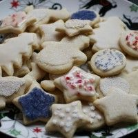 The Ultimate Vegan Sugar Cut Out Cookie with Royal Icing - pinning this to make on Saturday!