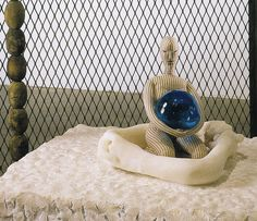 Louise Bourgeois - Cell XXVII (2004) - Detail