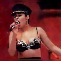 Selena And Chris Perez, Chicano Love, Selena Pictures, Selena Quintanilla Perez, 90s Hip Hop, Hip Hop Fashion, Ghana, Baddies, Vintage Photos