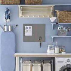 La Maison 17 decoración-interiorismo : Un cuarto de lavado y plancha organizado