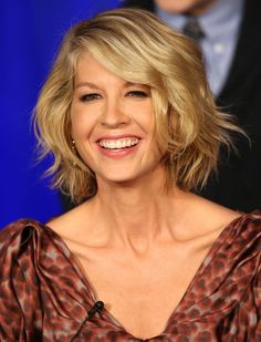 If you love wavy charming look, you can consider combing a romantic bob hairstyle with an inverted bob hairstyle. Wavy bob haircuts are the ideal choice for women who have curly and thick hair. The length of the hair is until the neck at all sides and back. This hairstyle certainly seems charming if done ….