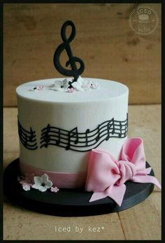 66 ideas for music note cake ideas happy birthday - Cake Pops Music Birthday Cakes, Music Themed Cakes, Music Cakes, Happy Birthday, Fondant Cakes, Cupcake Cakes, Violetta Cake, Bolo Musical, Music Note Cake