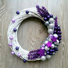 The Chic Technique: White grapevine wreath with purple and silver Christmas ornaments.Trendy letošních Vánoc: Vyhrajete to s bílou, zelenou a fialovou - galerieStunning Useful Tips: Wicker Decoration Chandeliers wicker stool side tables. Crochet Christmas Wreath, Holiday Wreaths, Christmas Tree Ornaments, Christmas Crafts, Xmas Tree, Christmas Christmas, White Wreath, Diy Wreath, Advent Wreath