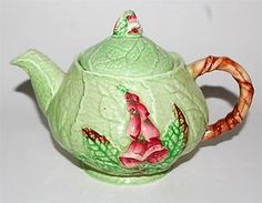 Click to view larger image Have one to sell? Sell it yourself Vintage CARLTON WARE Green Foxglove Teapot Australian Design English Pottery, Carlton Ware, Antique Perfume Bottles, How To Make Tea, Chocolate Pots, Coffee Set, Vintage China, China Porcelain, Tea Set
