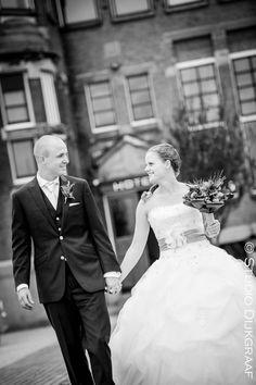 www.studiodijkgraaf.nl trouwfoto trouwreportage bruidspaar bruidegom bruid Hotel New York Rotterdam