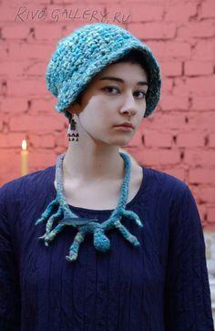 (c) Natalia Rivo Gallery.ru / foto - Elena Kvita Available Freeform Crochet, Crochet Hats, My Works, Addiction, Crochet Necklace, Handmade Jewelry, Beads, Gallery, Flowers