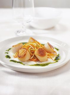 Lemon and Basil Scallops Recipes Healthy Cooking, Healthy Eating, Cooking Recipes, Healthy Recipes, Fish Recipes, Seafood Recipes, Recipies, Cooking Brussel Sprouts, Confort Food