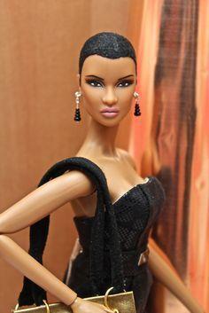 Natural Hair Barbie luv it! African Dolls, African American Dolls, African Art, American Girl, Beautiful Barbie Dolls, Pretty Dolls, Fashion Royalty Dolls, Fashion Dolls, Natural Hair Styles