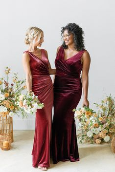 Wine Color Bridesmaid Dress, Burgundy Bridesmaid Dresses Long, Sequin Bridesmaid Dresses, Bridesmaid Dresses Plus Size, Burgundy Wedding, Red Dress For Wedding, Wedding Gowns, Fall Wedding Bridesmaids, Red Bridesmaids