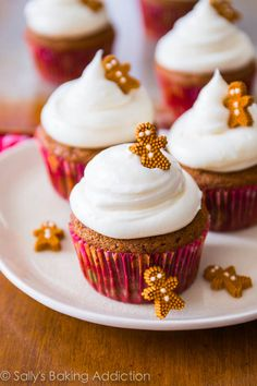 Delicious Christmas Desserts: gingerbread cupcakes