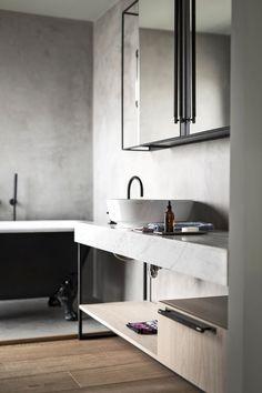 spa-like bathroom Closet Bar, Wardrobe Closet, Spa Like Bathroom, Simple Bathroom, Kitchen Handles, Cabinet Handles, Furniture Knobs, Furniture Design, Neutral Bathrooms Designs