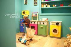 Peekaboo cocina Peek a Boo, servicio de ludoteca y parque infantil, un multiespacio de diseño para disfrutar en familia