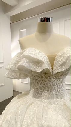 Fancy Wedding Dresses, Bridal Dresses, Wedding Gowns, Lace Ball Gowns, Ball Dresses, Beautiful Dresses, Wedding Dress Illustrations, Weddings, Future