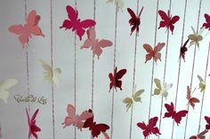1 UNIDADE PRONTA ENTREGA NA COR DA FOTO  OUTRAS CORES, PRAZO É DE 15 DIAS.  Cortina decorativa de borboletas, com 15 fios de 1,20 m e 1 metro.  Decoração de festas e eventos, vitrines, quartos infantis, varandas, janelas ou corredores.  - Total de 120 borboletas duplas, em efeito 3D.  - Papel imp...