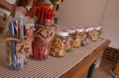 Little House on the Prairie Party: guests shop at the merchantile to fill up their goodie bags how fun! Happy Birthday Baby, 2nd Birthday Parties, Birthday Fun, Birthday Party Decorations, Pioneer Crafts, Little House Living, Bible School Crafts, Party Entertainment, Party Guests