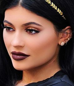 Everything to Know About the Hair Tattoo Trend: (http://www.racked.com/beauty/2015/10/23/9602968/kylie-jenner-hair-flash-tattoo)
