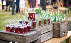 Refreshments for an outdoor summer wedding