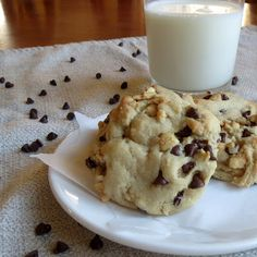 Softbatch Cream Cheese Chocolate Chip Cookies- toss out every other chocolate chip cookie recipe you've ever tried, because these are the best ever. Soft, buttery, amazing.