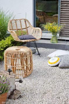 Rattan Outdoor Chairs, Rattan Stool, Outdoor Decor, Porch Furniture, Rattan Furniture, Outdoor Furniture Sets, Dining Room Chair Cushions, Dining Chairs, Ikea Chairs