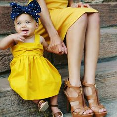 Bebé tirantes dress infantil ropa de una línea corsé arco de sujeción y de nuevo kids yellow vestidos de verano edad 0-24 m de la moda(China (Mainland))