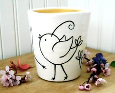 Ceramics and pottery Hand Painted Mugs, Hand Painted Ceramics, Painted Pottery, Ceramic Pottery, Pottery Painting Designs, Pottery Designs, Mug Designs, Pottery Ideas, Paint Your Own Pottery