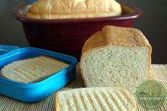 ... Juppiiiiii, endlich... Lange Zeit bastel ich ja schon an Toastbrot rum... letzte Woche erst hatte ich unser Kartoffelbrotzu Sandwichbrot umfunktioniert, also nur mit Weissmehl und 1,5-fache Menge mit 120 g Öl und 1 TL Zucker... Wasser dann etwas weniger, wegen dem Öl... Es hat genial geschmeckt und es war soooo schön weich,