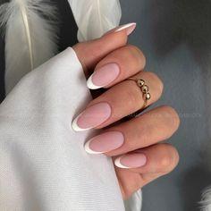 Oval Acrylic Nails, French Tip Acrylic Nails, Almond Nails French, Almond Acrylic Nails, White French Nails, White Oval Nails, Colored French Nails, Almond Nails Pink, Short Round Nails