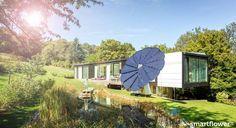 Smartflower is een intelligent zonnepaneel dat de zon achterna gaat.