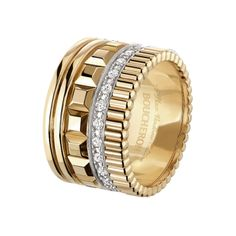 Ring set with pavé diamonds, in white and yellow gold.