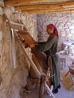 Weaving in Nazareth Village. Nazareth Village is an open air museum that reconstructs and reenacts village life in the Galilee in the time of Jesus. (V) Israel Travel Honeymoon Backpack Backpacking Vacation Budget Bucket List Wanderlust Nazareth Village, Terra Santa, Israel Palestine, Nazareth Israel, Visit Israel, Art Textile, Promised Land, Holy Land, The Covenant