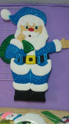 Yo lo quier Christmas Stocking Kits, Christmas Mesh Wreaths, Felt Christmas, Christmas Stockings, Christmas Decorations, Christmas Ornaments, Foam Sheet Crafts, Noel Gifts, Snowman Quilt